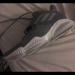 Adidas bounce basketball shoes size 12